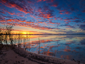 Lake-Boga-sunset_300x225_web