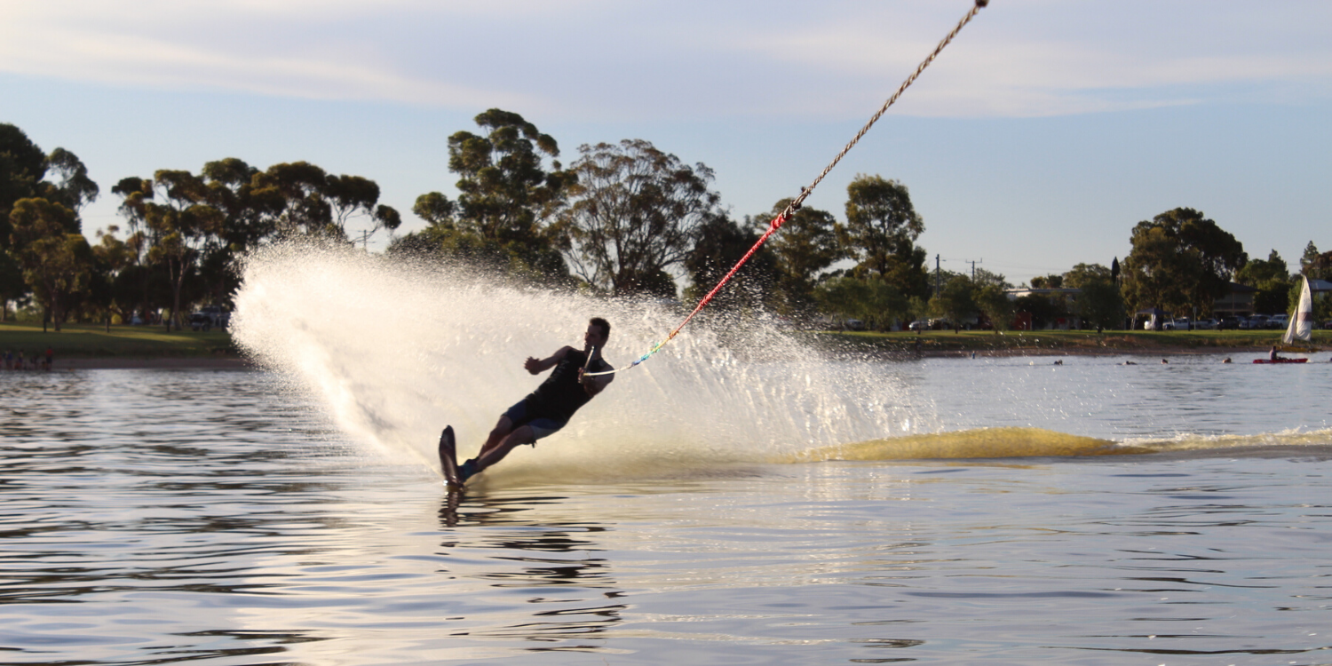 waterskiing Lake Boga 1500x750px